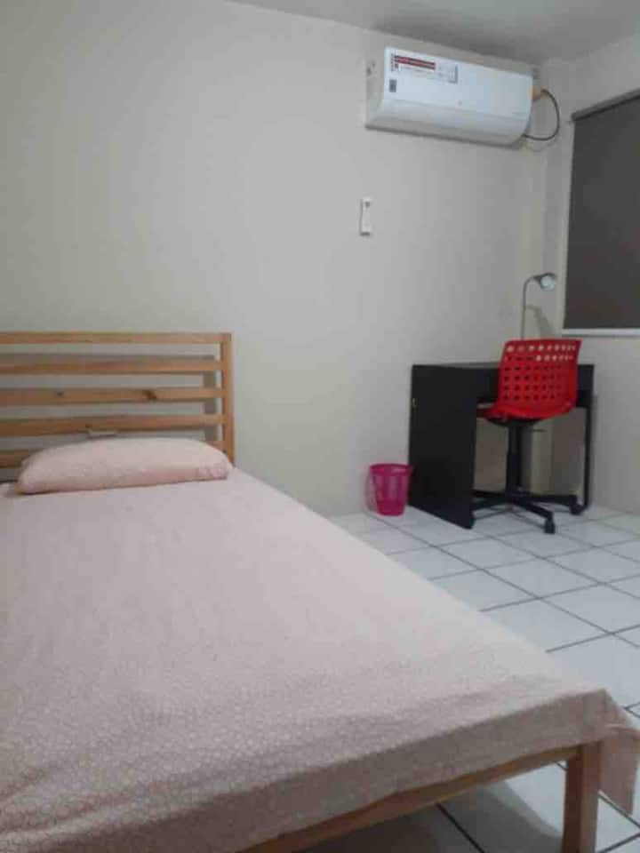 Private Room in Urdesa Central Guayaquil