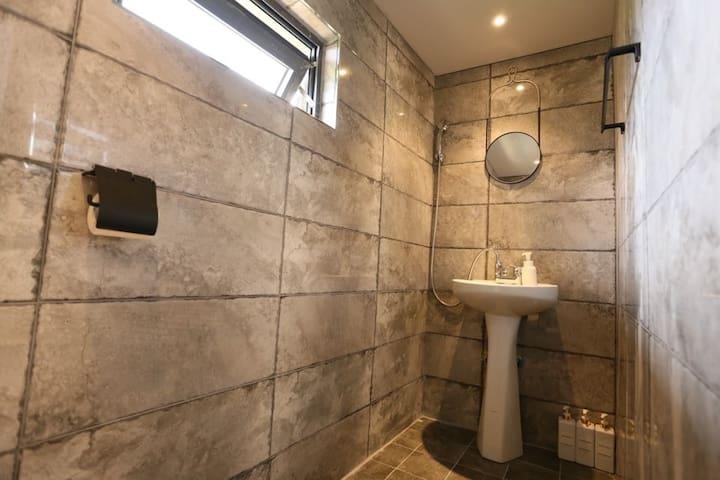 소나무방 화장실