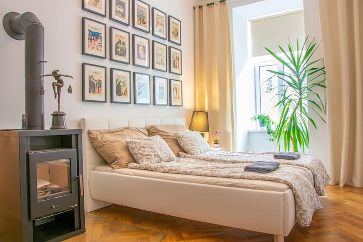 Charming Vienna Style Apartment - Hundertwasser