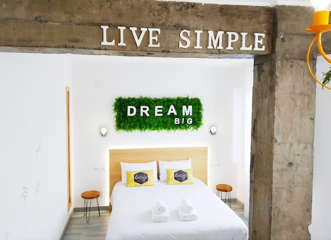 Castle Apartment ( ◠‿◠), Centre, Netflix, Terrace