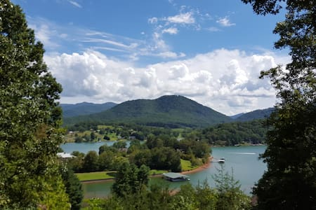 Gorgeous Views of Lake Chatuge & Mountains - Entire Floor