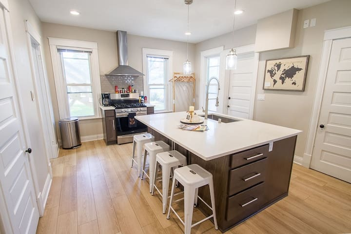 Remodeled charmer in Northeast MPLS Arts District
