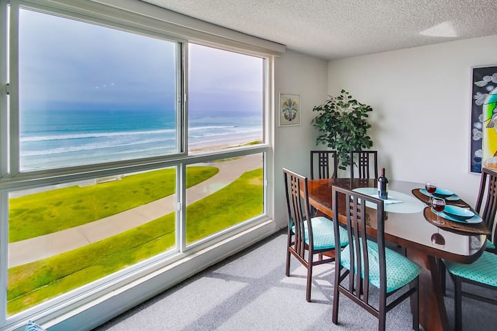 Beach View Condo in the heart of Pacific Beach!