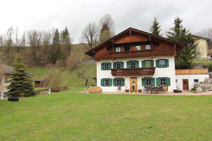 Vintage Apartment with Sauna in Hopfgarten