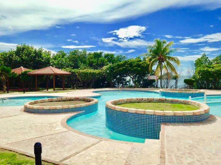 Condominio playa caribe (combate y playa sucia)