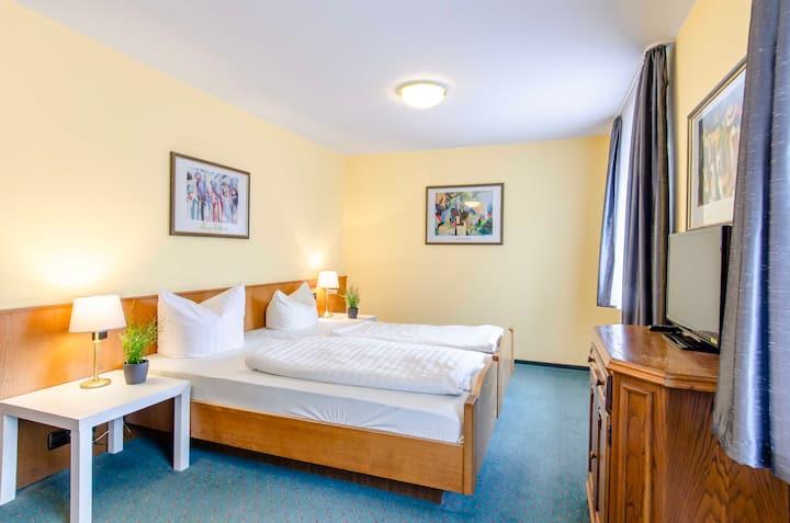 Kurgarten-Hotel, (Wolfach), Basic Doppelzimmer