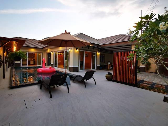The Peak Pool Villa Aonang