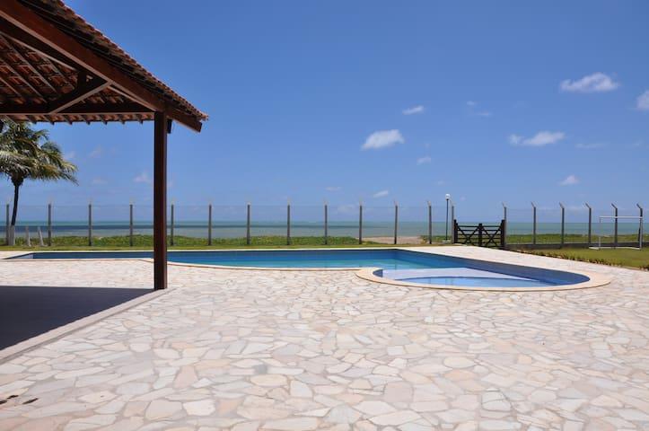 Casa beira mar  na praia de Maria Farinha