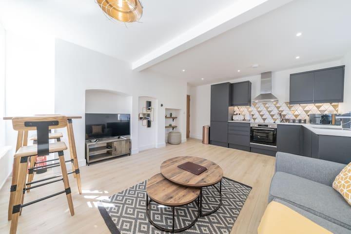 ** 2 Ashbrook Windmill - Luxury ground floor 1 bedroom flat ****
