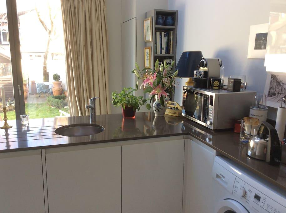 Kitchen/diner into quiet garden, use of microwave, fridge etc.