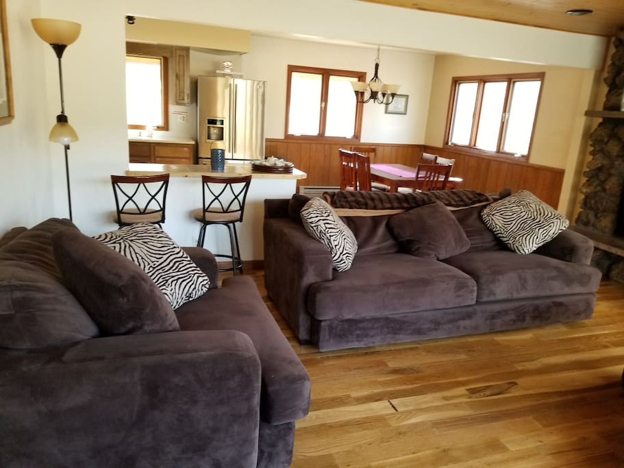 Cozy living space! With fireplace and overlooking private lake!