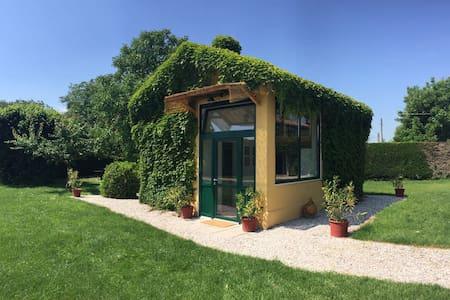 Villino Vassa Dependance immersa nel verde