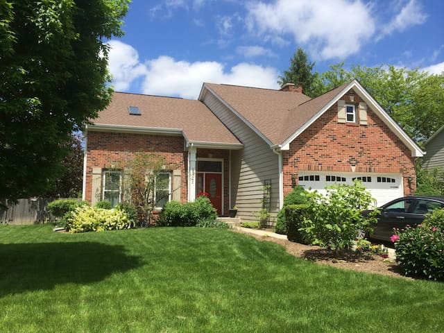 Beautiful Home in Zionsville - Zionsville - Huis