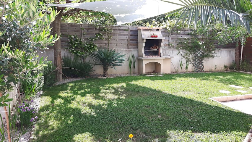 Joli appartement avec jardin - Calvisson - Lägenhet