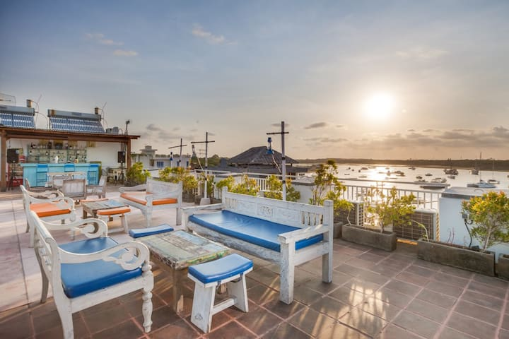 HOT DEAL-Cozy Room Marina view in Serangan Islands