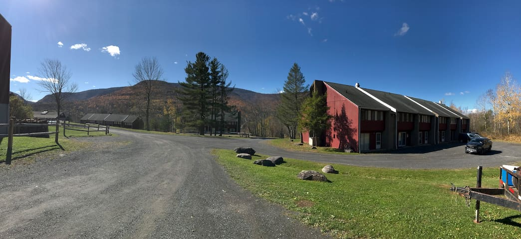 Hunter Mountain Condo- Vacation in the Catskills - Hunter - Apto. en complejo residencial