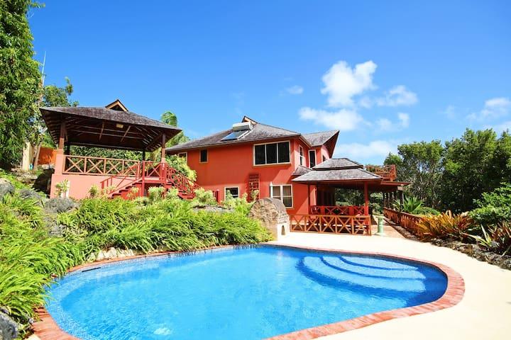 Bali-Style Villa With Pool Near Beach - Retreat