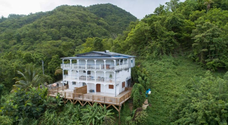 Studio cosy à Deshaies, vue sur mer, proche plage