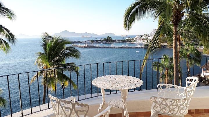 Espectacular Vista las Hadas, Loft 801, PlayaSol