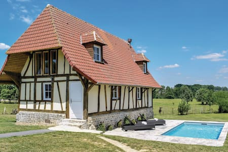 Holiday cottage with 2 bedrooms on 90m² in Gournay-en-Bray