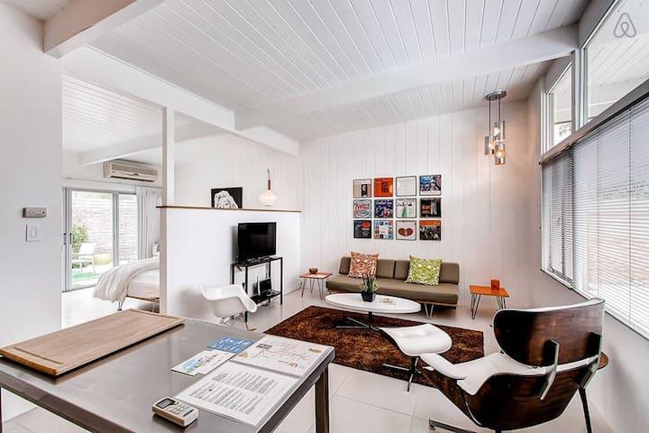 The Desert Star: Apartment 5 - One Bedroom Studio