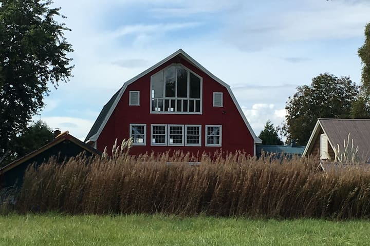Beautifully Restored Barn on  Tranquil Property