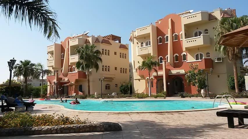 Big apartment with a big swimmingpool