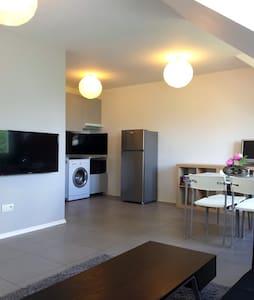 Appartement 2 pièces 45m² - proche Paris centre - Ermont - アパート