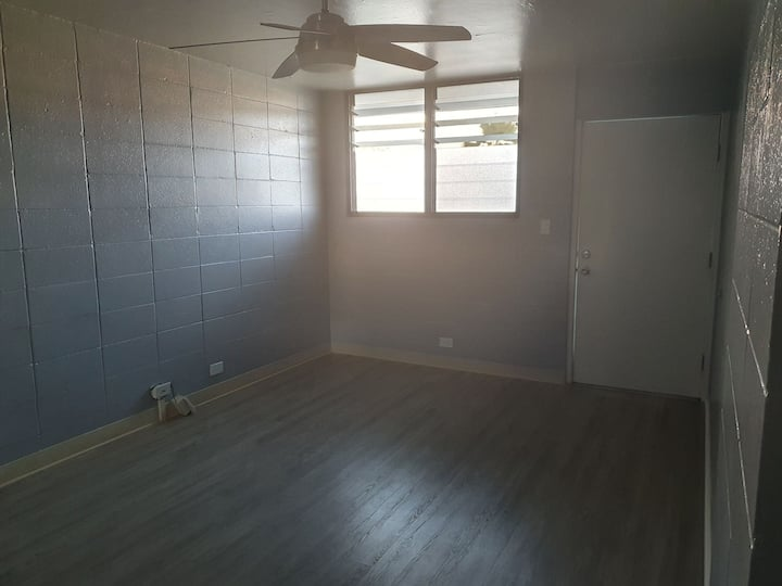 2 bedroom apartment close to the beach area & mall