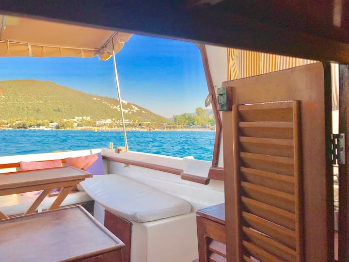 Private Cozy Boat Torba Bodrum