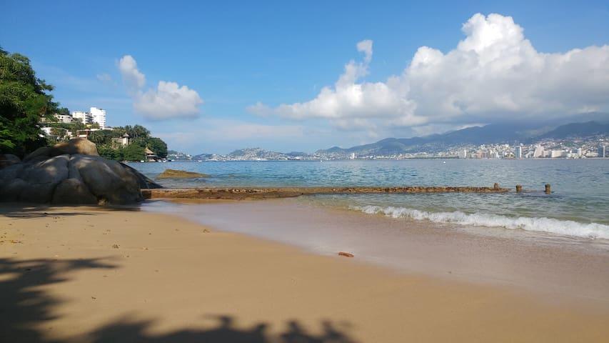 Bonito departamento Playa Privada, Vista y Alberca