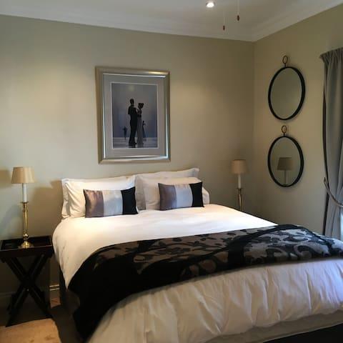 Vairs Place - Suite 2