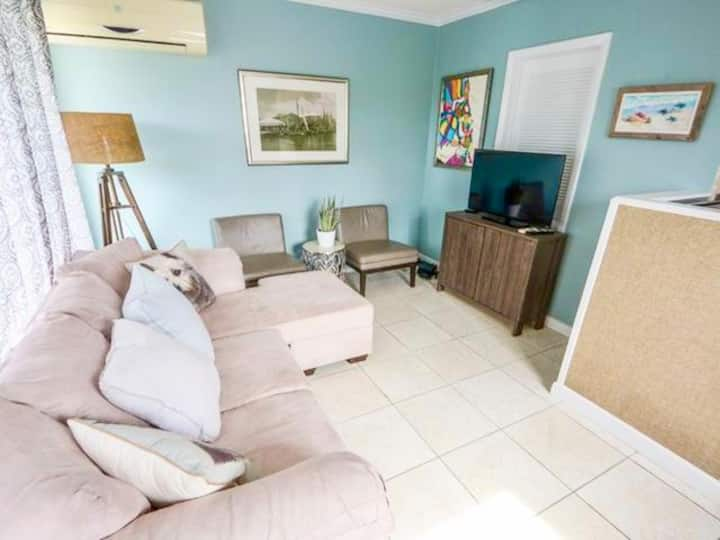 New! Cozy 1 BR in Paradise - Book Now!