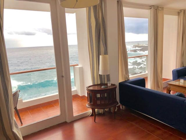 Breathtaking ocean views 3 bed at Paseo San Telmo