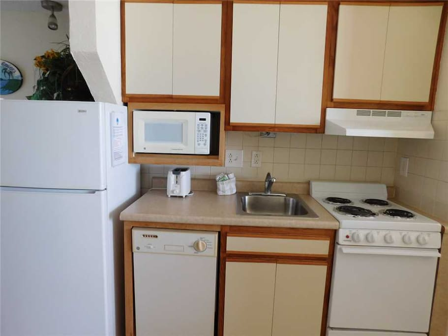 Microwave,Oven,Fridge,Refrigerator,Indoors