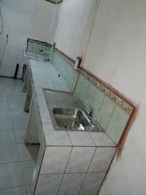 Cuenta con area de cocina, por si lo necesitan o también yo les puedo dar servicio de alimentación y lavado esté servicio se cobra por aparte