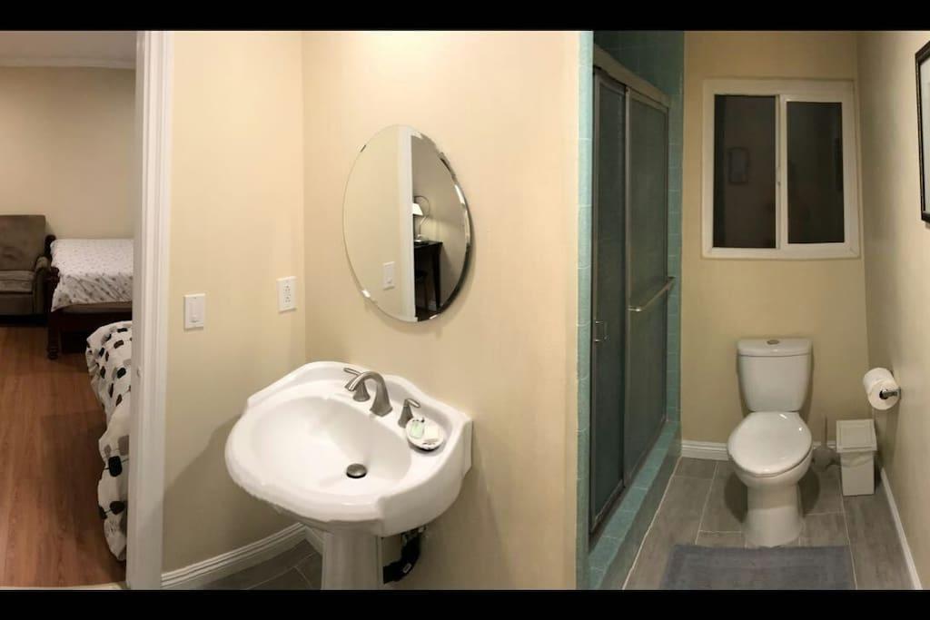 Bathroom 衛浴