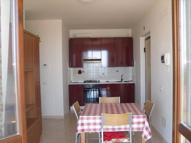 Appartamento per mesi estivi - Massignano - Apartemen
