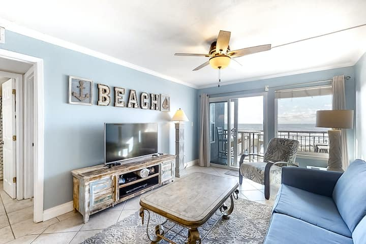 2nd Floor Gulf Front Condo w/ Views, Close To Entertainment