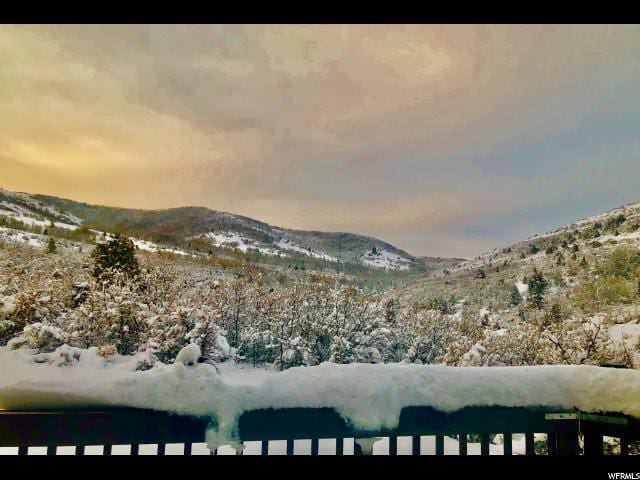 Park City secluded cabin living on 5 view acres
