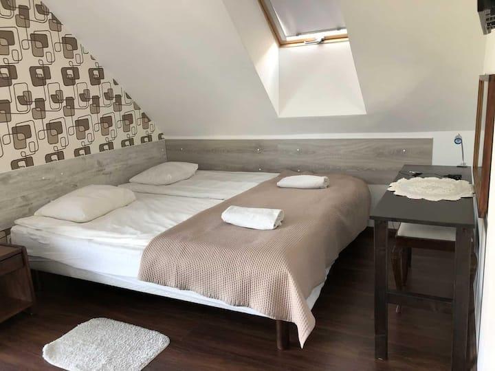 Apartamenty i Pokoje NaLetniej - Pokój 2-os. nr 2