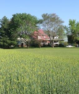 Shawnee Inn - Simply Country