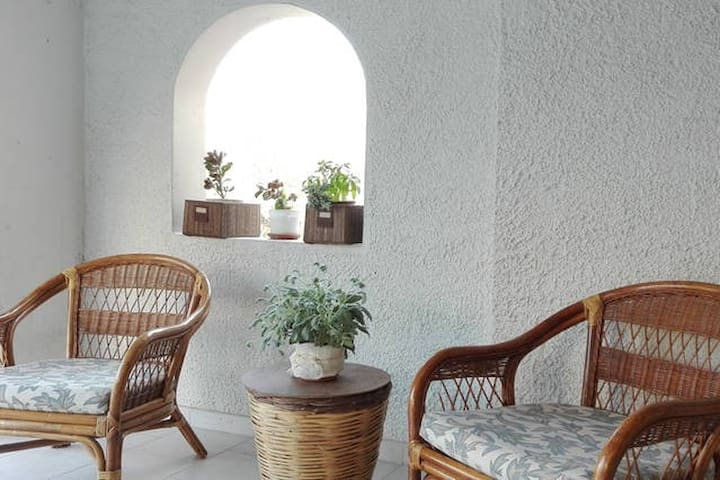 Private room en suite with garden in Heraklion - Ηράκλειο - Rumah