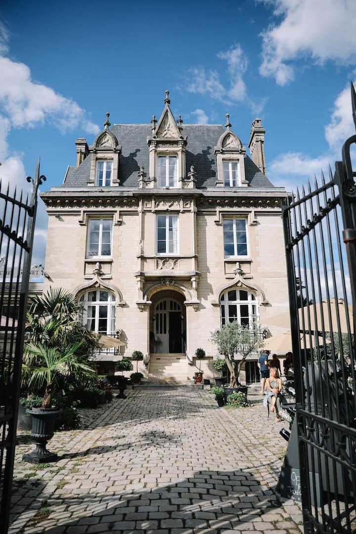 Hôtel particulier du 19è sur l'avenue de Champagne