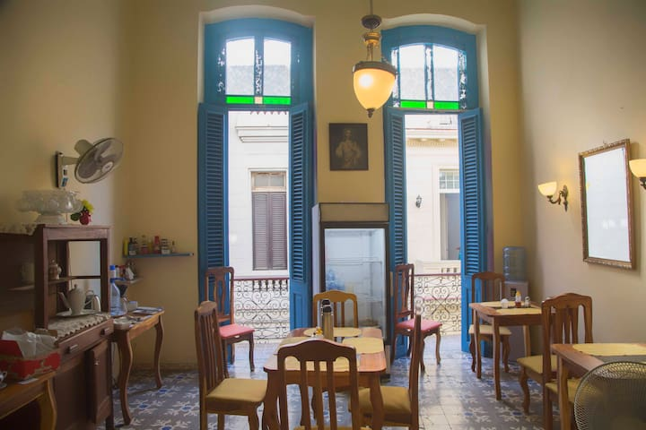 Old Havana Rooms II