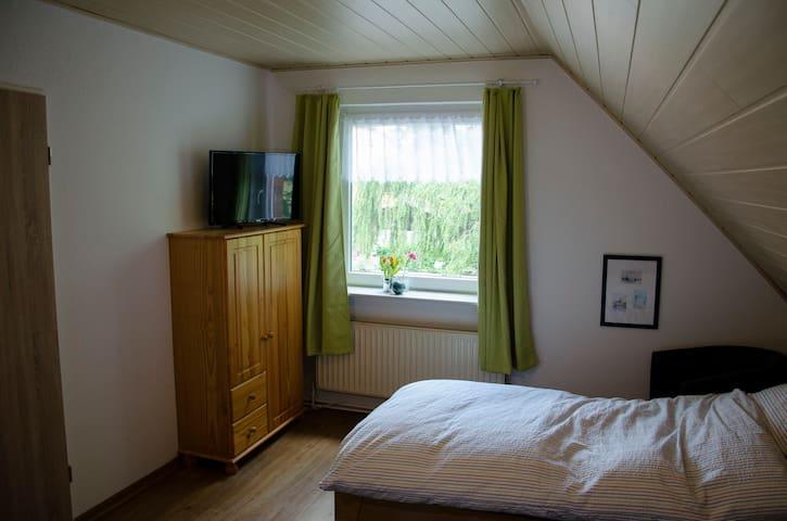 Zweizimmer Wohnung mit zwei Einzelbetten