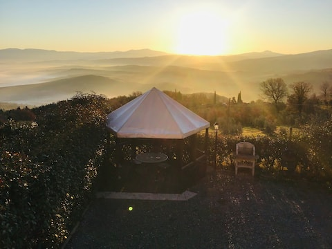 La Pineta :CIPRESSO,bilocale in Val D'orcia