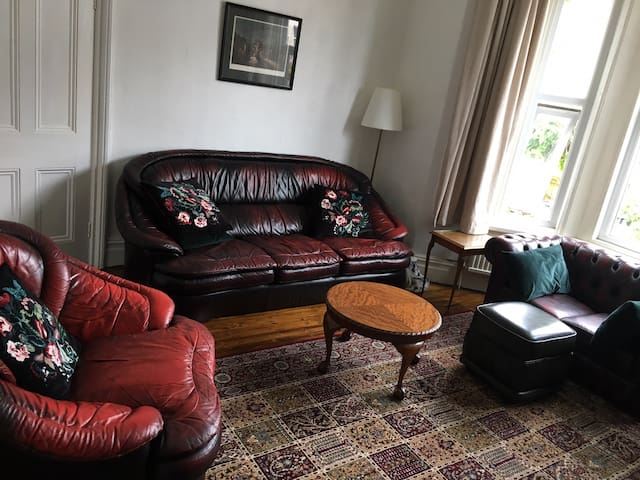Large Victorian Home 15mins from Liverpool - Room3