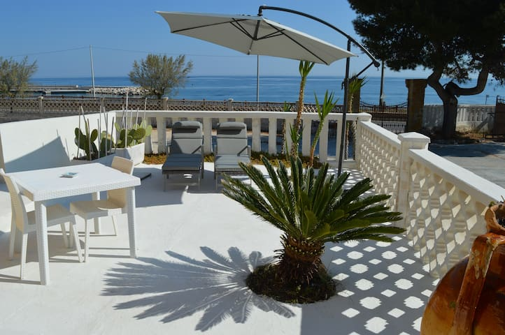 Polignano apartment  furnished - v. sea - parking