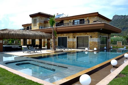 2194 Detached villa for rent in Kemer Antalya - Kemer